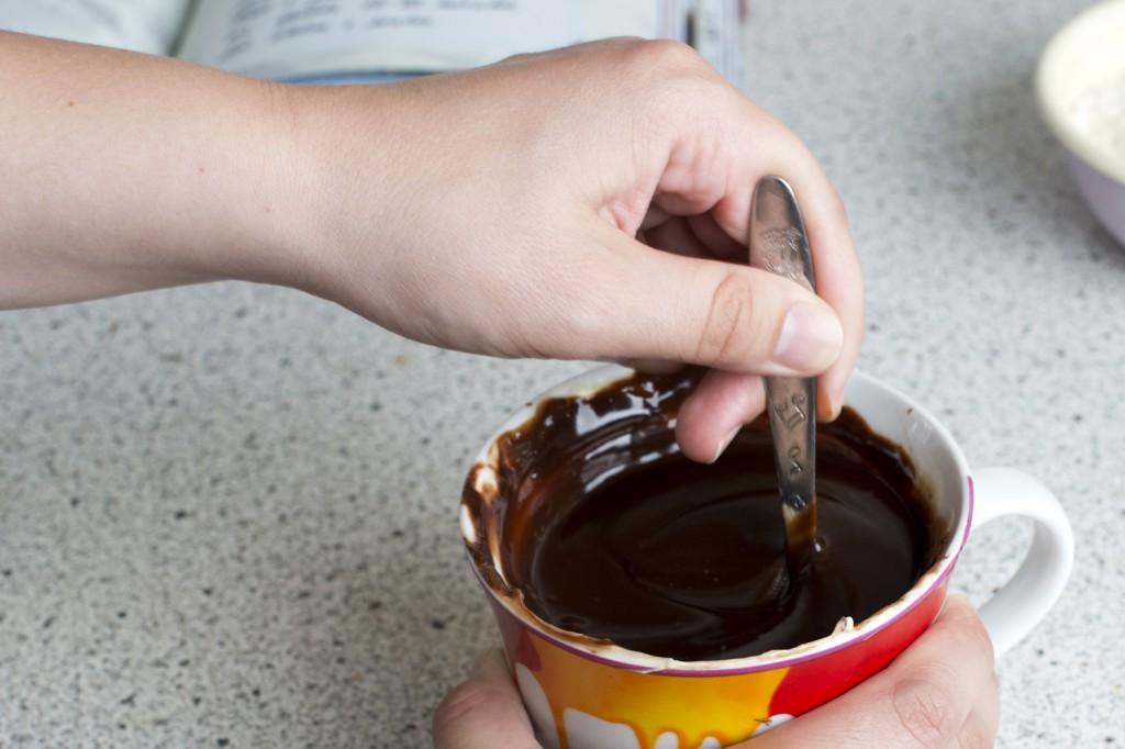 Butter und Schokolade vermischen (nh)