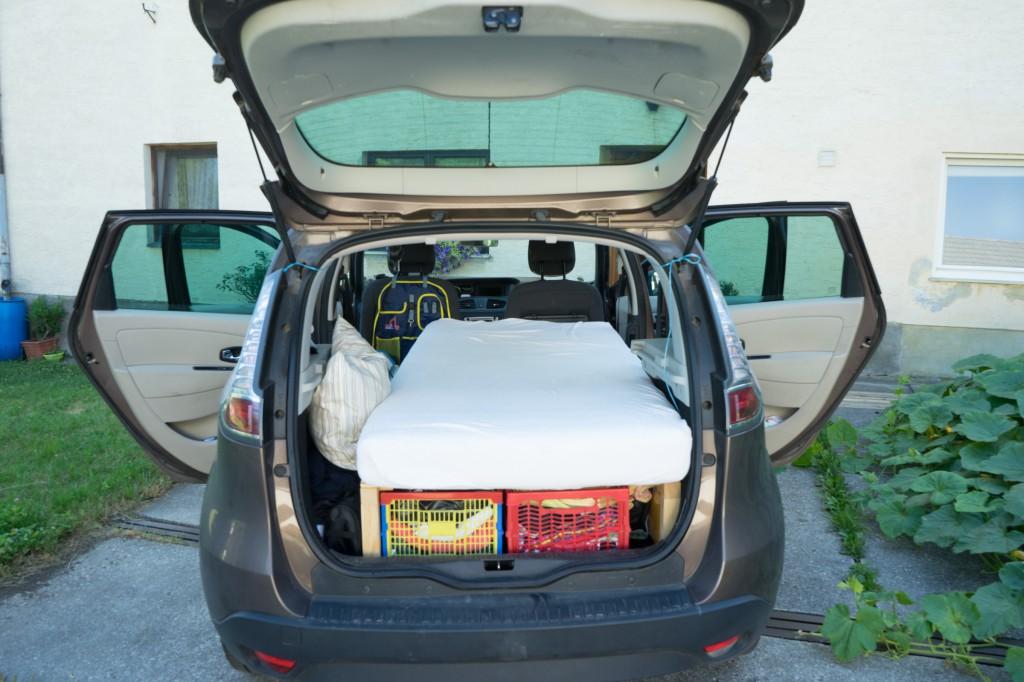 Camping Van - Gemütliches Campingbett!