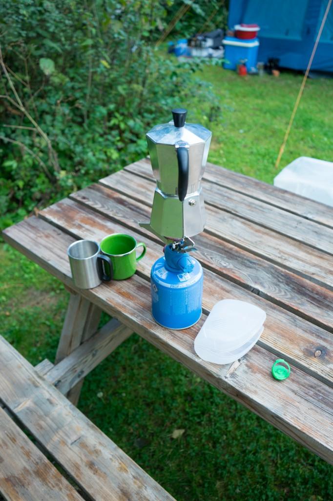 """Kaffee machen in der """"Wildnis"""" (vh)"""