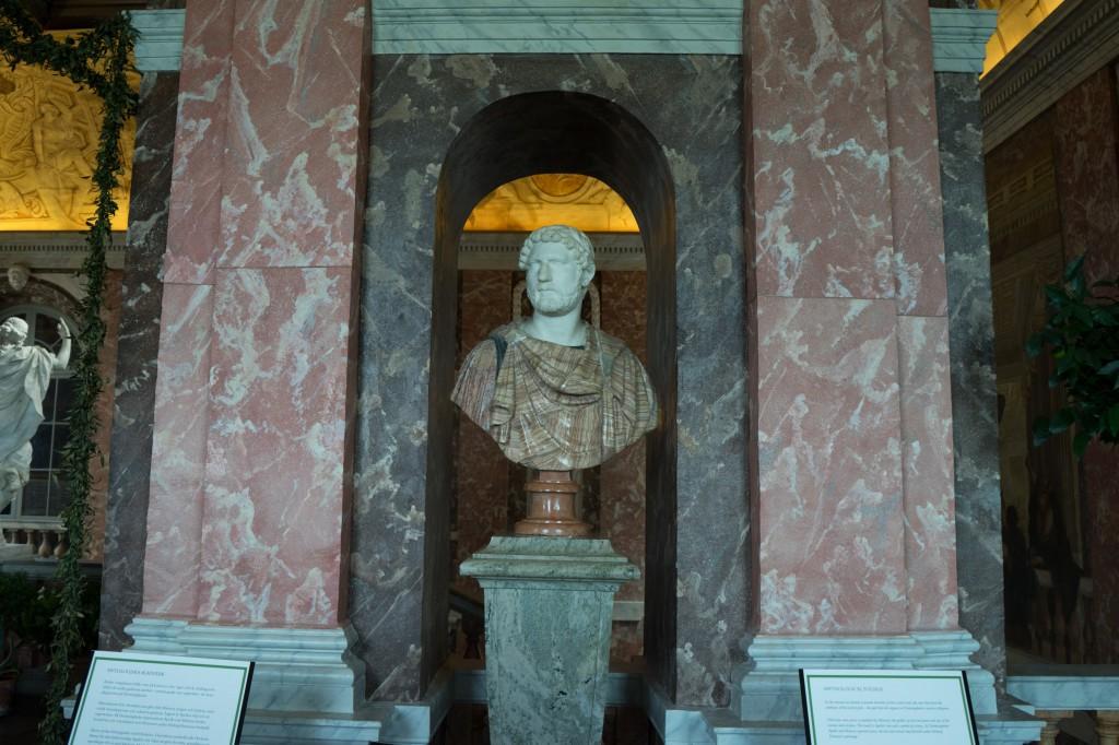 Römische Statue im Schloss Drottningholm (pp)