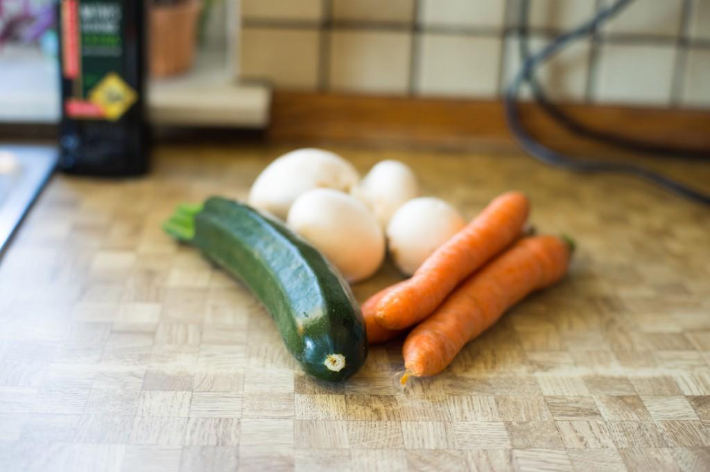 Gemüse und Champignons.