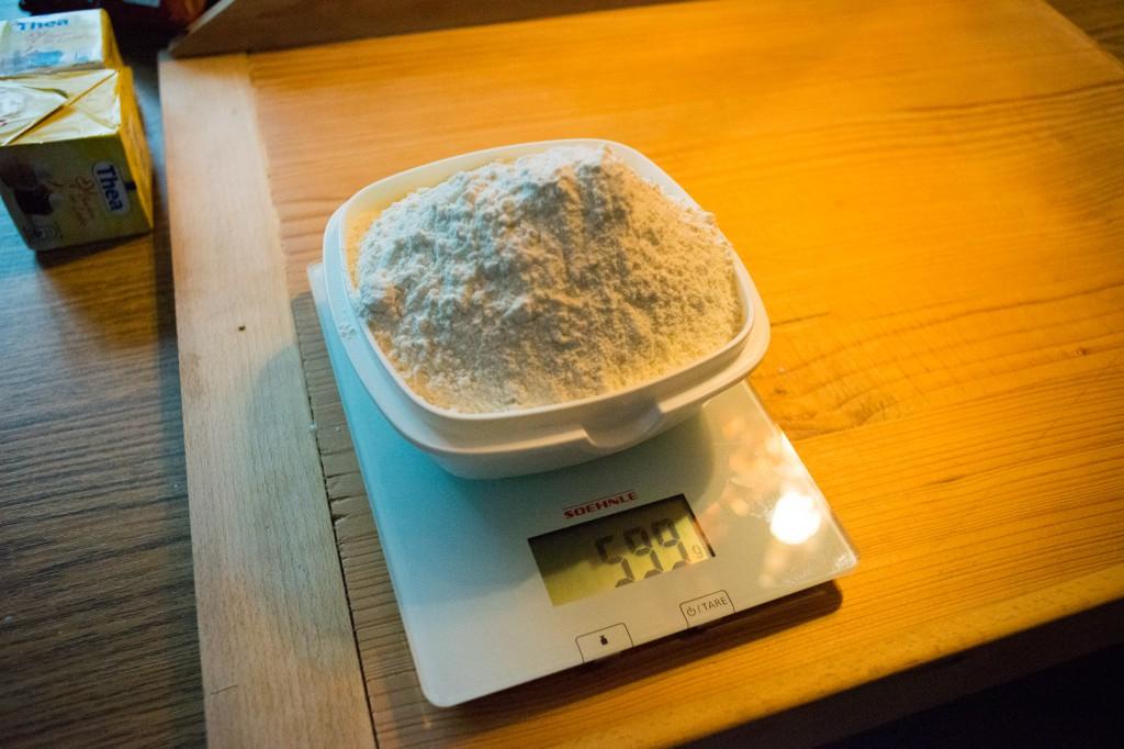 Ca 600 g Mehl (vh)