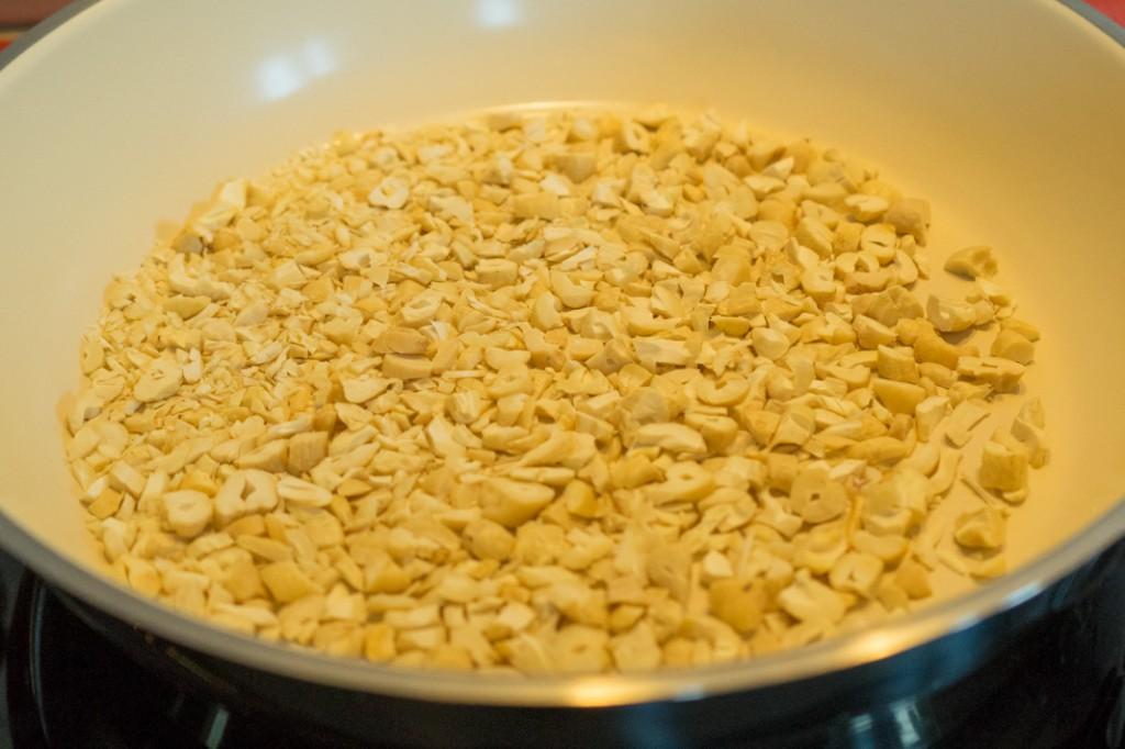 Cashew-Kerne anrösten (vh)