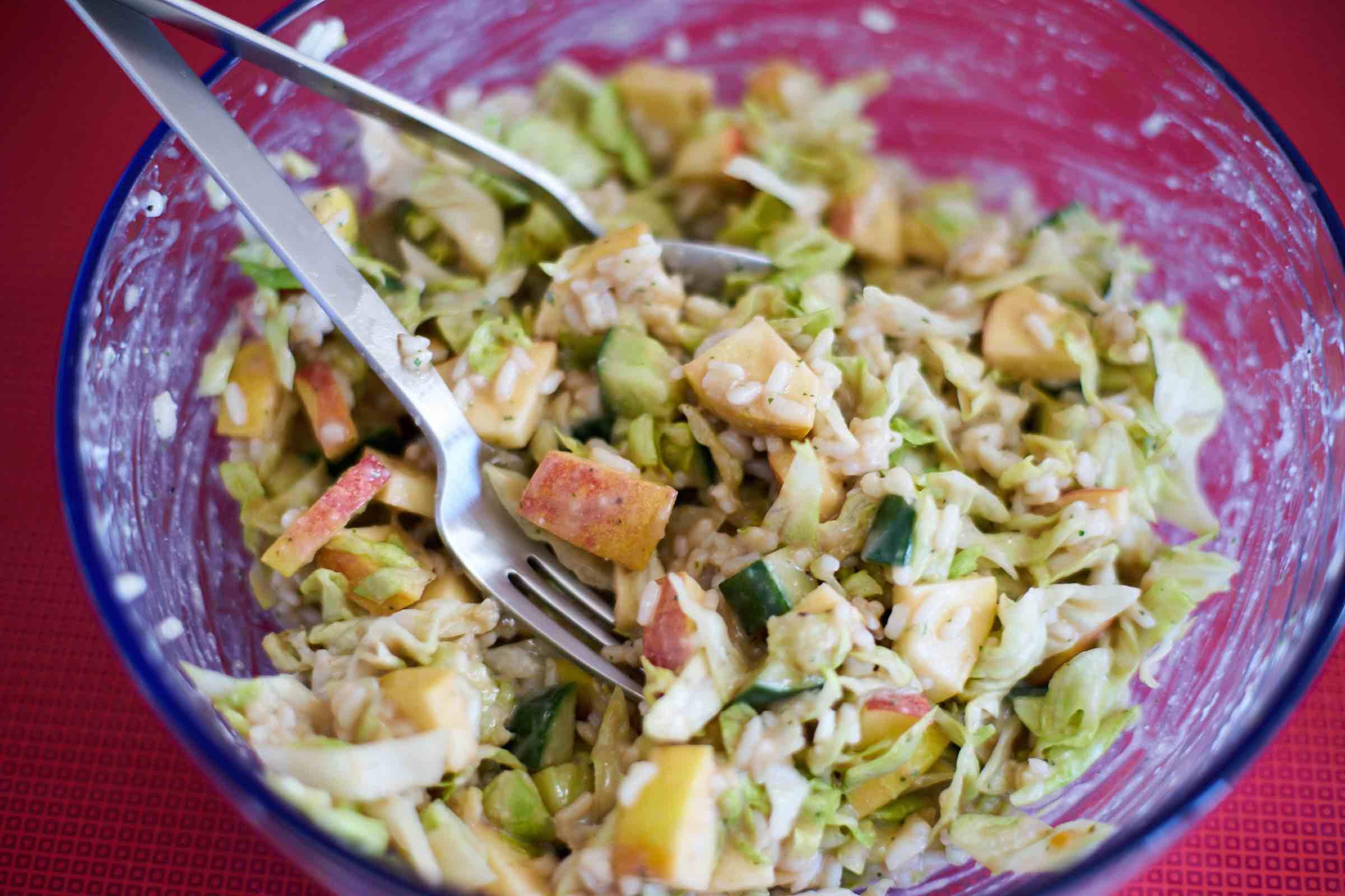 Reissalat mit Apfel und Balsamico