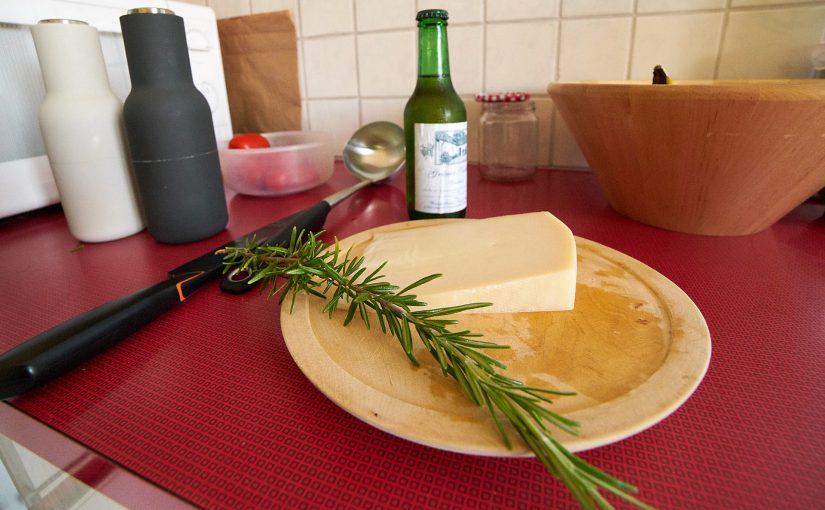 Ziegenkäse-Risotto mit Tomaten und Rosmarin