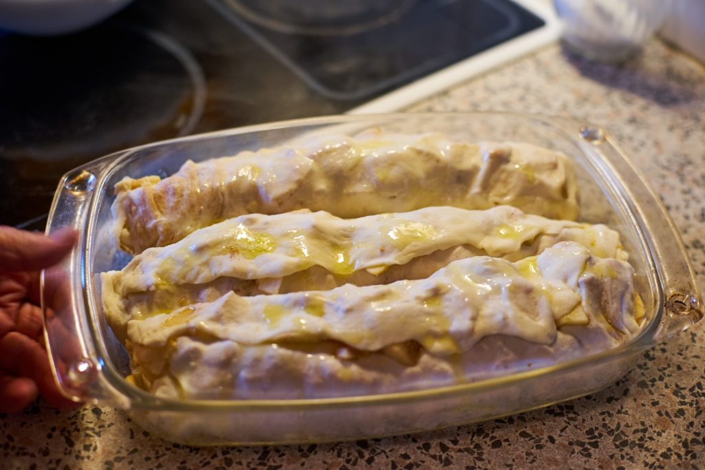 Apfelstrudel before baking
