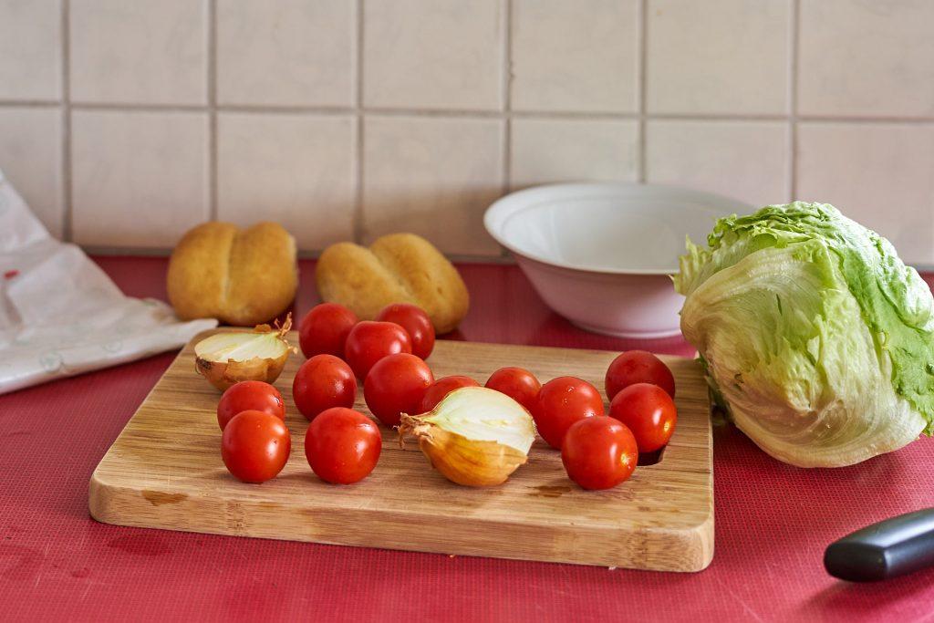 Tomaten und Zwiebel.