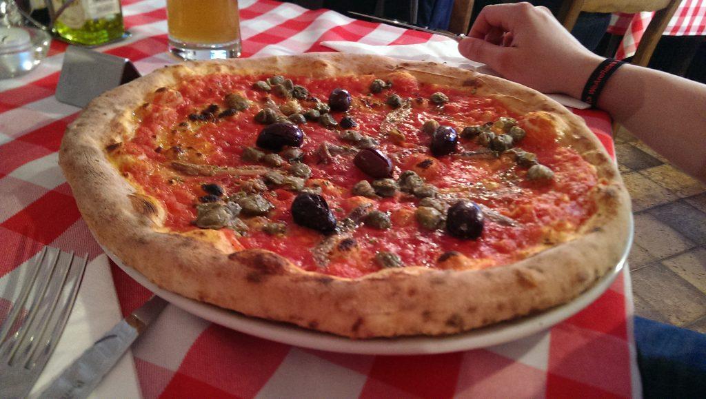 Pizza Napoletana in der Pizzeria Pozzuoli.