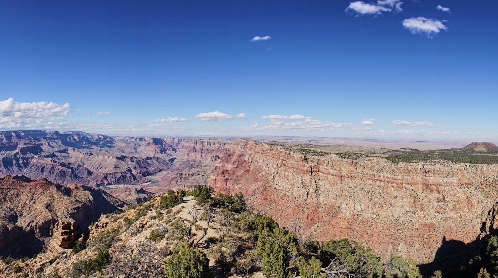 Ausblick vom Desert View über den Canyon.