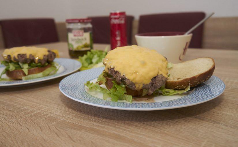 Burger-Versuch: Big Mac mit selber gebackenen Buns